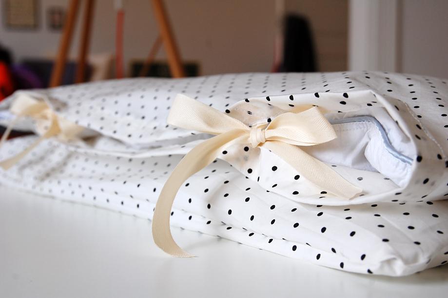 babysengetøj_prikker