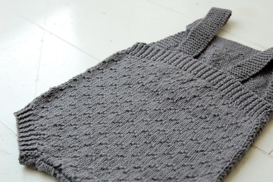 babydragt-strikket