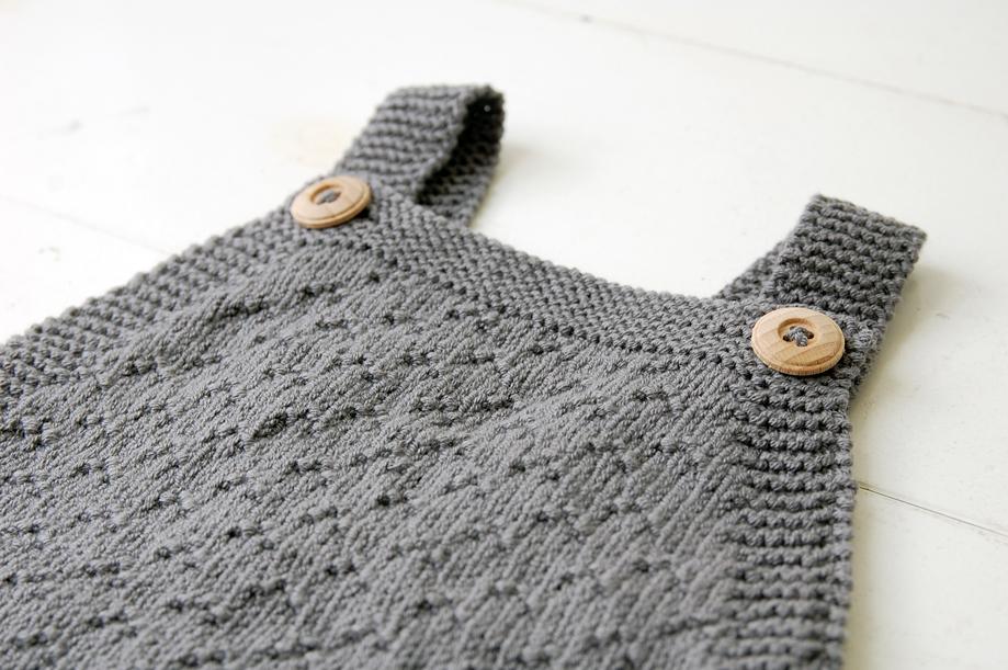 strikket-babydragt-guttestrikkeboka